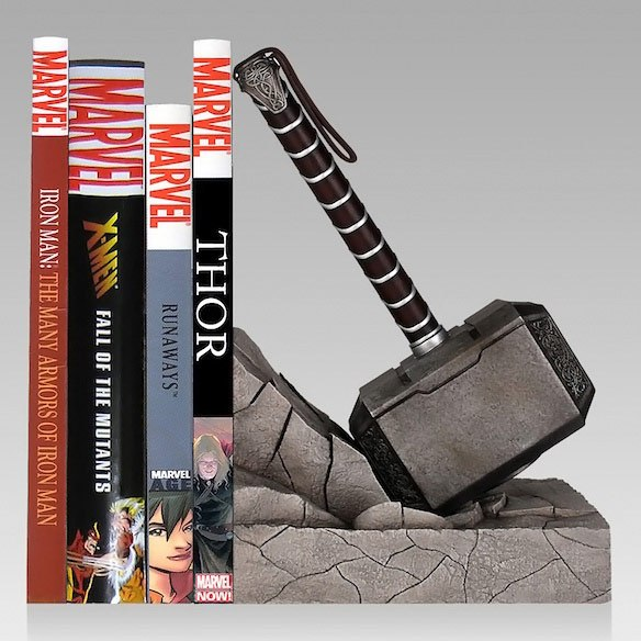 decoration of the Marvel Heroes-support-of-books-mjolnir